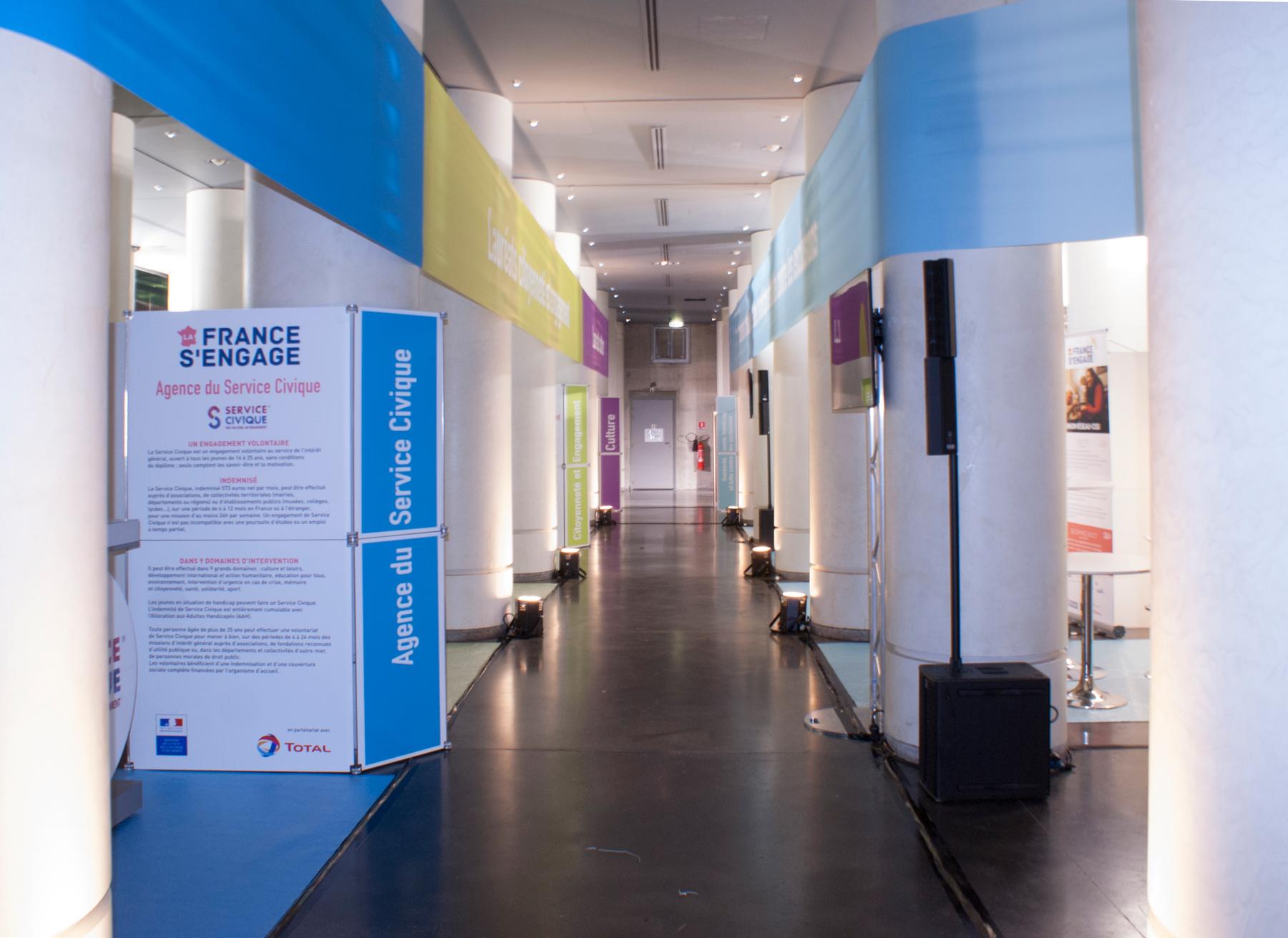 Installation générale pour l'évènement La France S'Engage à l'Institut du Monde Arabe, édition 2015