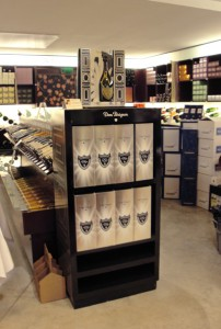mobilier de presentation sur lieux de vente pour Dom Perignon
